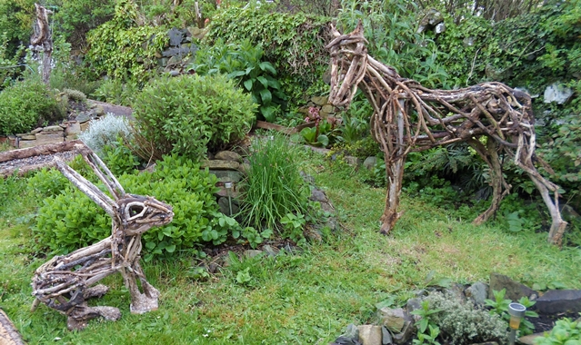 Eco arts eco arts blog coming to you from dumfries and Driftwood sculptures for garden
